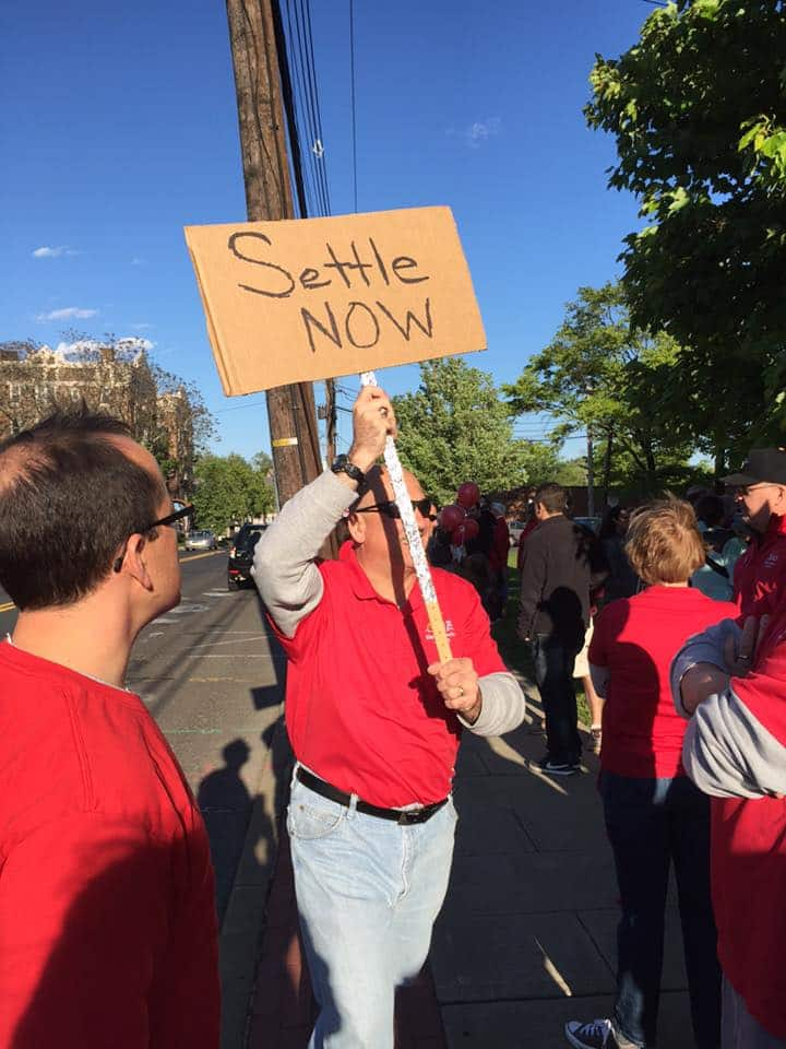 Ridgewood EA teachers protest